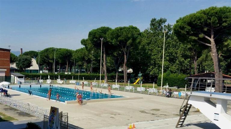 Piscina Via Roma Prato.Nuoto E Piscine A Prato Citta Di Prato